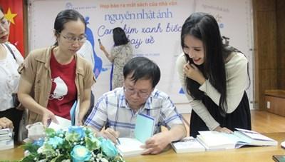 Điều gì khiến sách mới của Nguyễn Nhật Ánh được in 150 ngàn bản?