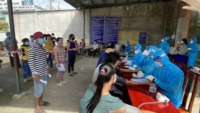 Bình Dương thần tốc tiêm 750.000 liều vaccine Vero Cell cho người dân