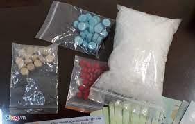 Bắt thanh niên mang ma túy đá thông chốt kiểm dịch