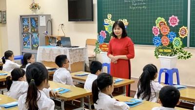 Kinh nghiệm từ quận nội thành duy nhất của Hà Nội giải được bài toán sĩ số