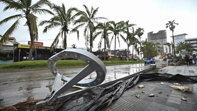 Tàn dư cơn bão Pamela ở Mexico trước khi chuyển hướng đến Mỹ
