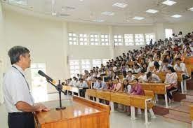 Đề xuất kéo dài thời gian giảng dạy với giảng viên là giáo sư, tiến sĩ