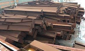 Tạm giữ hình sự 5 đối tượng lừa bán sắt thép