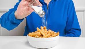 Cần bỏ thói quen ăn nhiều muối