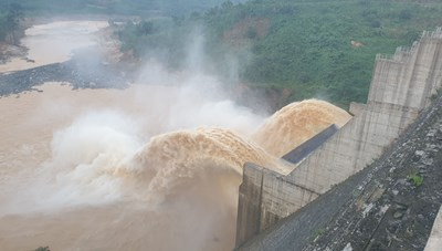 Nhiều thủy điện, hồ nước xả lũ ở Quảng Nam