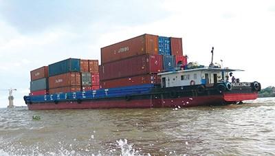 TP HCM: Sẽ mở thêm 'luồng xanh' đường thủy vận chuyển hàng hóa thiết yếu