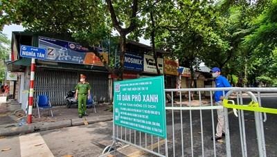 [ẢNH] Cận cảnh các chốt chặn của 'Tổ dân phố xanh' đầu tiên tại Hà Nội