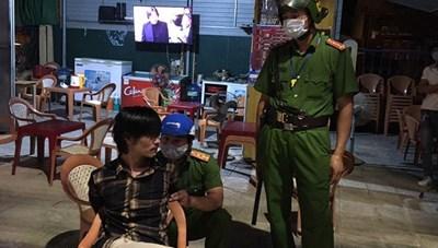 Quảng Bình: Con trai tâm thần dùng dao chém mẹ ruột tử vong