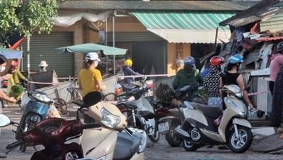 Quảng Bình: Người dân tụ tập buôn bán tại chợ Ga trong thời gian thực hiện giãn cách xã hội