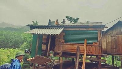 Quảng Bình: 9 người bị thương, 66 người đi rừng chưa thể liên lạc