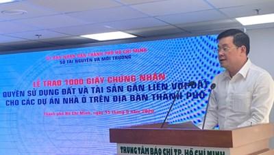HoREA lên tiếng về việc tổ chức lễ trao 1.000 sổ hồng: Tốn kém ngân sách, không cần thiết!
