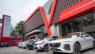 Cận cảnh showroom 3S lớn nhất Việt Nam của VinFast