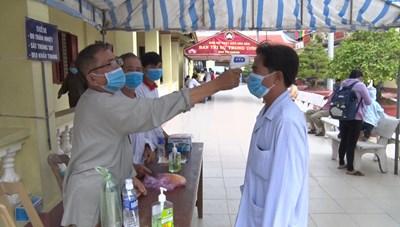 Phật giáo Hòa Hảo thực hiện nghiêm các biện pháp phòng dịch trong ngày Đại lễ