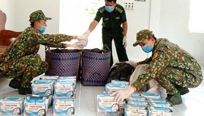 An Giang: Thu giữ 15 nghìn khẩu trang  chuẩn bị tuồn qua Campuchia