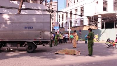 Cần Thơ: Bị xe tải đâm tử vong khi đang qua đường khu vực dành cho người đi bộ