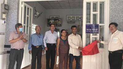 An Giang: Bàn giao 170 căn nhà Đại đoàn kết tại huyện Chợ Mới và Châu Thành