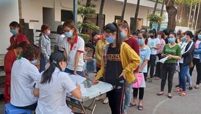 Bình Dương: Người lao động tới địa bàn phải khai báo y tế bắt buộc