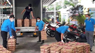 TP HCM: Liên đoàn lao động quận BÌnh Tân hỗ trợ người lao động gặp khó khăn