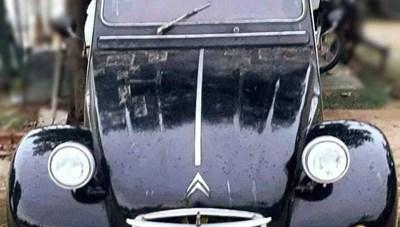 Xe cổ của NSND Út Trà Ôn được bán đấu giá ủng hộ đồng bào miền Trung