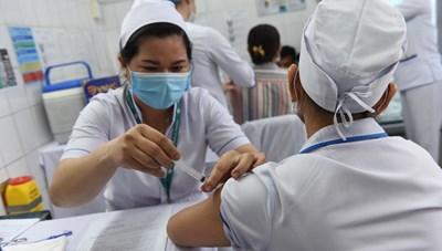 Những người đầu tiên được tiêm vaccine ngừa Covid-19 ở Việt Nam