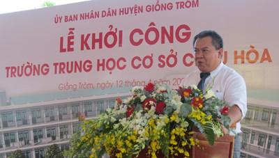 Bà Nguyễn Thị Kim Ngân dự lễ khởi công dự án xây dựng trường THCS ở Bến Tre
