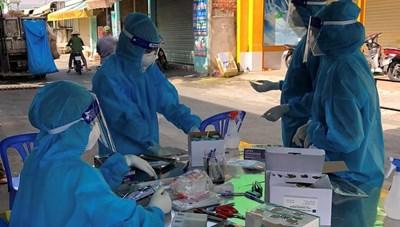 Một huyện ở Long An ghi nhận hơn 10.000 ca nhiễm Covid-19