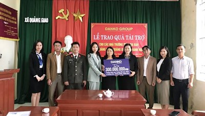 Danko Group trao Quỹ học bổng Danko cho các trường tại xã Quảng Giao, tỉnh Thanh Hóa