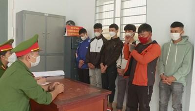 Đắk Lắk: Học sinh lớp 10 rủ bạn đi trả thù chém nhầm người đi đường