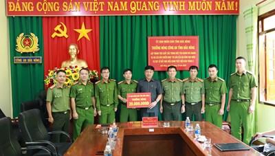 Thưởng nóng Công an tỉnh Đắk Nông trong vụ truy bắt đối tượng lừa đảo