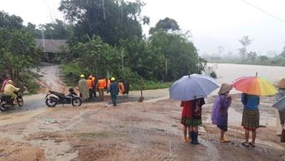 Đắk Lắk: Hàng trăm hộ dân  bị cô lập do bão số 12