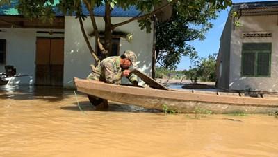 [VIDEO] Cận cảnh hàng chục ngôi nhà ở Đắk Lắk bị ngập do mưa lớn kéo dài