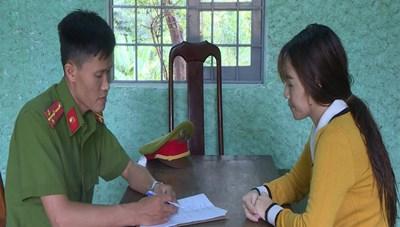 Mượn chứng minh người khác để lập hồ sơ vay tiền rồi chiếm đoạt