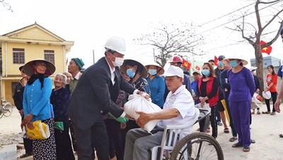 Xuất cấp gạo hỗ trợ người dân trong dịp Tết Nguyên đán Tân Sửu