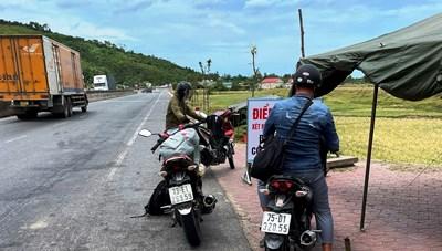 Hà Tĩnh: Siết chặt phương tiện cá nhân ở vùng dịch miền Nam về
