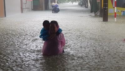 Hà Tĩnh: Sơ tán khẩn cấp hơn 46.000 người dân