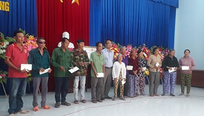 Bình Thuận: Thăm chúc tết, Hội thánh Tin lành Việt Nam (Miền Nam)