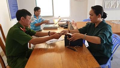 Bình Thuận: Nhặt được túi xách có 60 triệu đồng, trình báo Công an phường