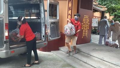 Lâm Đồng: Các tôn giáo hướng về người dân vùng dịch