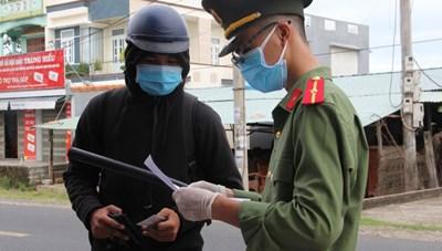 Bình Thuận: Xử phạt hơn 2,5 tỷ đồng các trường hợp ra đường không có lý do chính đáng