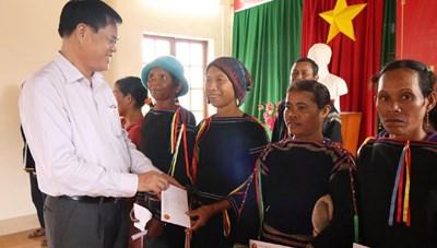 Phú Yên: Tưng bừng Ngày hội Đại đoàn kết tại thôn Xây Dựng, xã Suối Trai