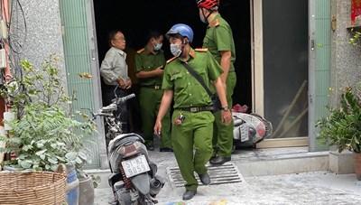 TP HCM: Dân phá cửa chữa cháy nhà 3 tầng
