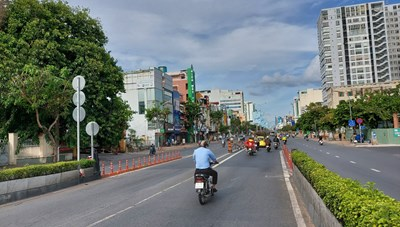Đường phố TP Hồ Chí Minh đã vắng vẻ sau 2 ngày thực hiện Chỉ thị 16