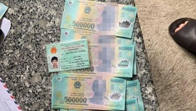 Bình Dương: Tạm giữ đối tượng lưu hành tiền giả