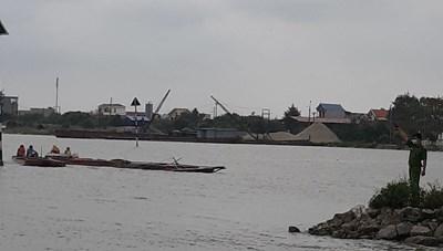 Nam Định: Giữa trưa, cảnh sát môi trường nổ súng bắt 'cát tặc'