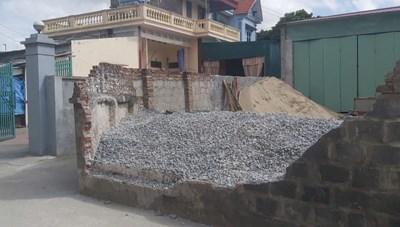 Thái Bình: Tường đổ, đè chết nữ sinh