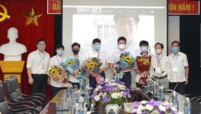 6/6 học sinh Việt Nam giành huy chương tại Olympic Toán học quốc tế 2021
