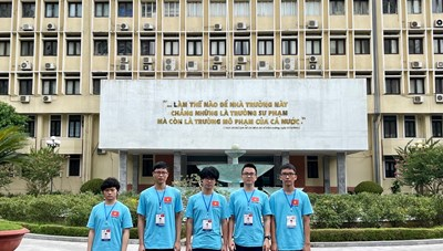 Khen thưởng học sinh Thủ đô đạt thành tích cao tại các kỳ thi Olympic quốc tế 2021