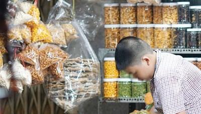 Thực phẩm gắn mác 'made in nhà làm' ồ ạt tung ra thị trường những ngày cận Tết