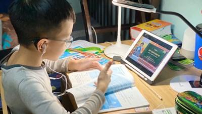 Trẻ học Online mùa Covid: Cách giải tỏa nỗi ám ảnh của cha mẹ?