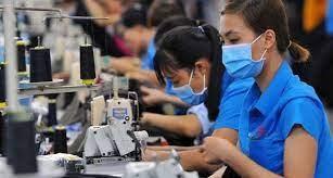 Cơ chế chi trả lương cho người lao động khi ngừng việc do dịch Covid-19 được tính như thế nào?